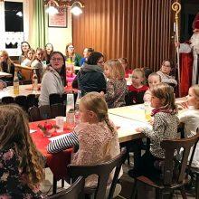 Lustig, lustig, trallala:  Der Nikolaus besuchte die Tanzabteilung