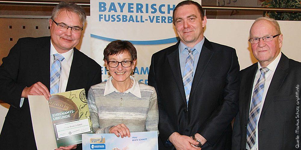 Ehrenamtsuhr für Beate Schmitt