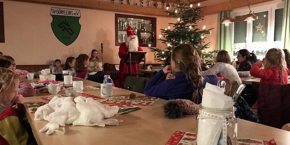 Kinderpunsch, Fackelwanderung und viele Geschenke